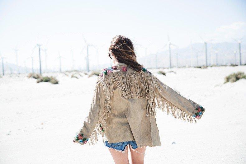 Coachella_Music_Festival-Fringed_Jacket-Polo_Ralph_Lauren-Vintage_Levis-Outfit-Festival_Look-Street_Style-34