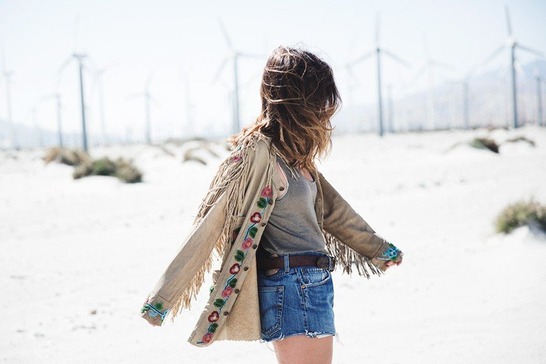 Coachella_Music_Festival-Fringed_Jacket-Polo_Ralph_Lauren-Vintage_Levis-Outfit-Festival_Look-Street_Style-35