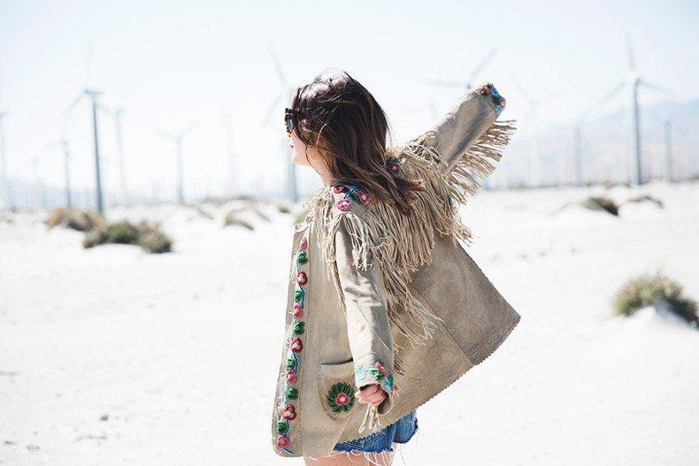 Coachella_Music_Festival-Fringed_Jacket-Polo_Ralph_Lauren-Vintage_Levis-Outfit-Festival_Look-Street_Style-36