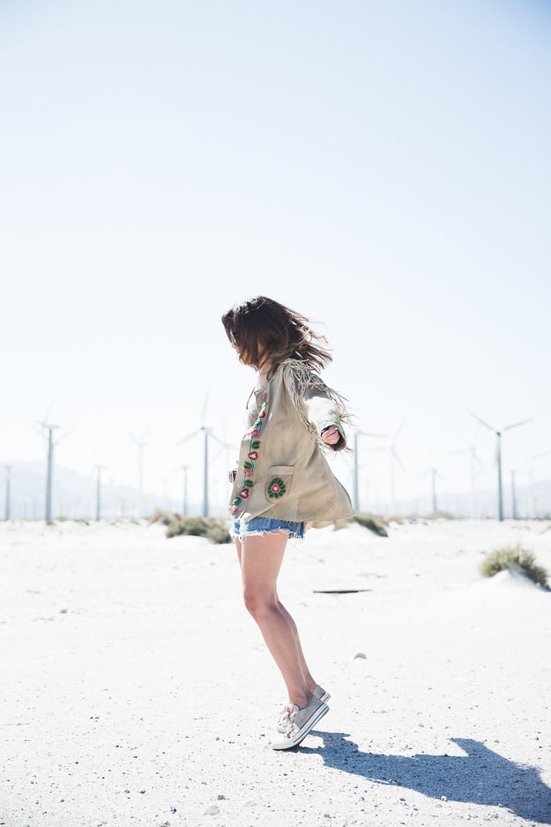 Coachella_Music_Festival-Fringed_Jacket-Polo_Ralph_Lauren-Vintage_Levis-Outfit-Festival_Look-Street_Style-4