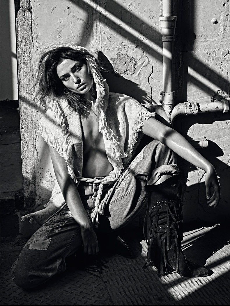Editorial-Andreea_diaconu-vogue_paris_March_15-11