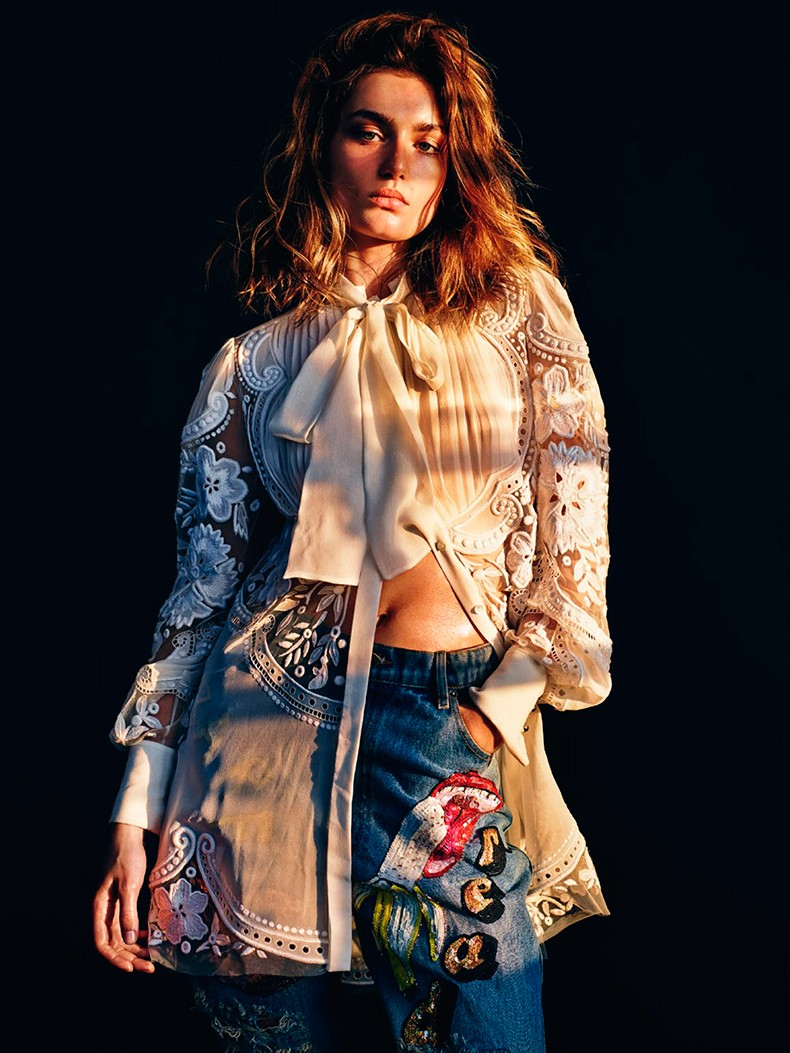 Editorial-Andreea_diaconu-vogue_paris_March_15-12