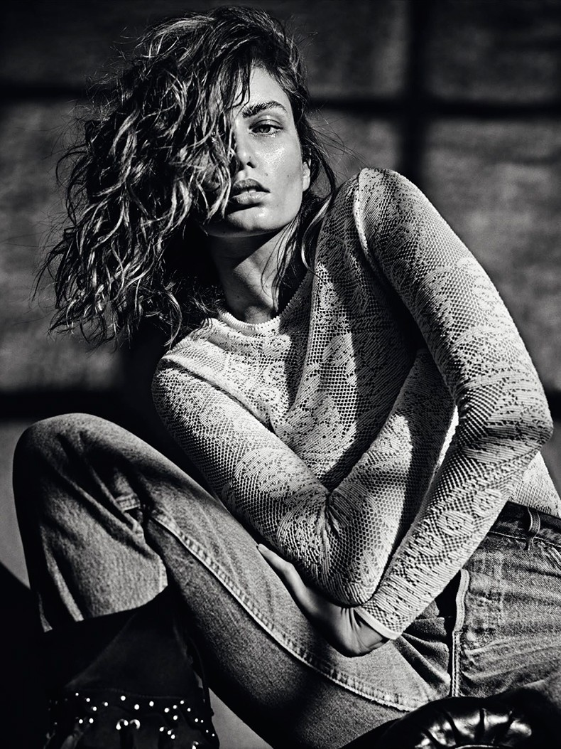 Editorial-Andreea_diaconu-vogue_paris_March_15-5
