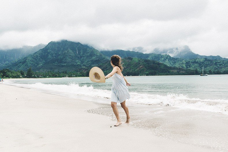 Hanaley_Bay-Kauai-Hawai-Travels-Tips-Sabo_Skirt_Dress-Straw_Hat-Lack_Of_Color-Outfit-Beach-Collage_Vintage-41