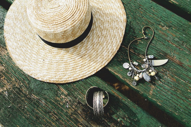Hanaley_Bay-Kauai-Hawai-Travels-Tips-Sabo_Skirt_Dress-Straw_Hat-Lack_Of_Color-Outfit-Beach-Collage_Vintage-61