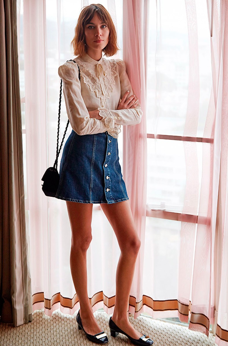 How_To_Wear_Denim_Button_Front_Skirt-70_Inspired-Trend_Seventies-Alexa_Chung-2
