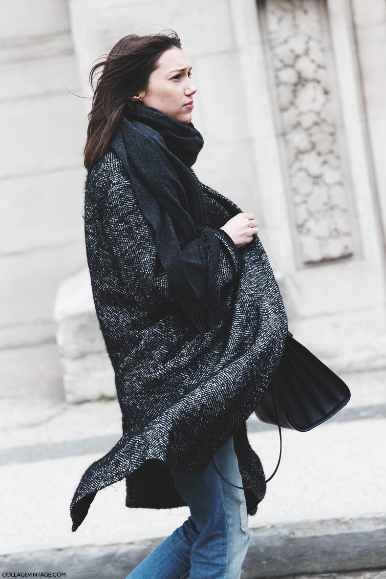 Paris_Fashion_Week-Fall_Winter_2015-Street_Style-PFW-Grey_Coat-Scarf-