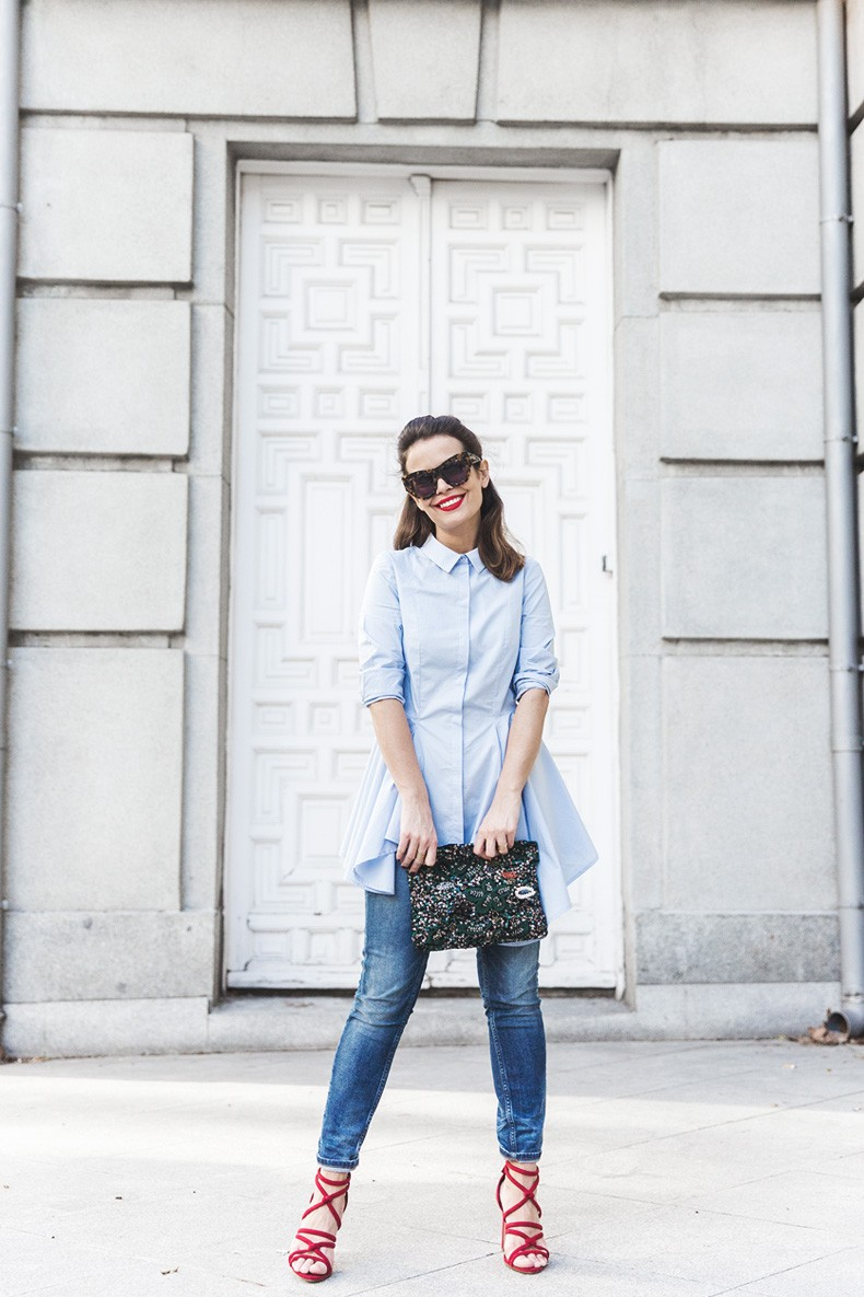 Ruffle_Shirt-Topshop_Skinny_JEans-BEaded_Clucth-Red_Sandals-Karen_Walker_Sunnies-Outfit-Street_Style-11