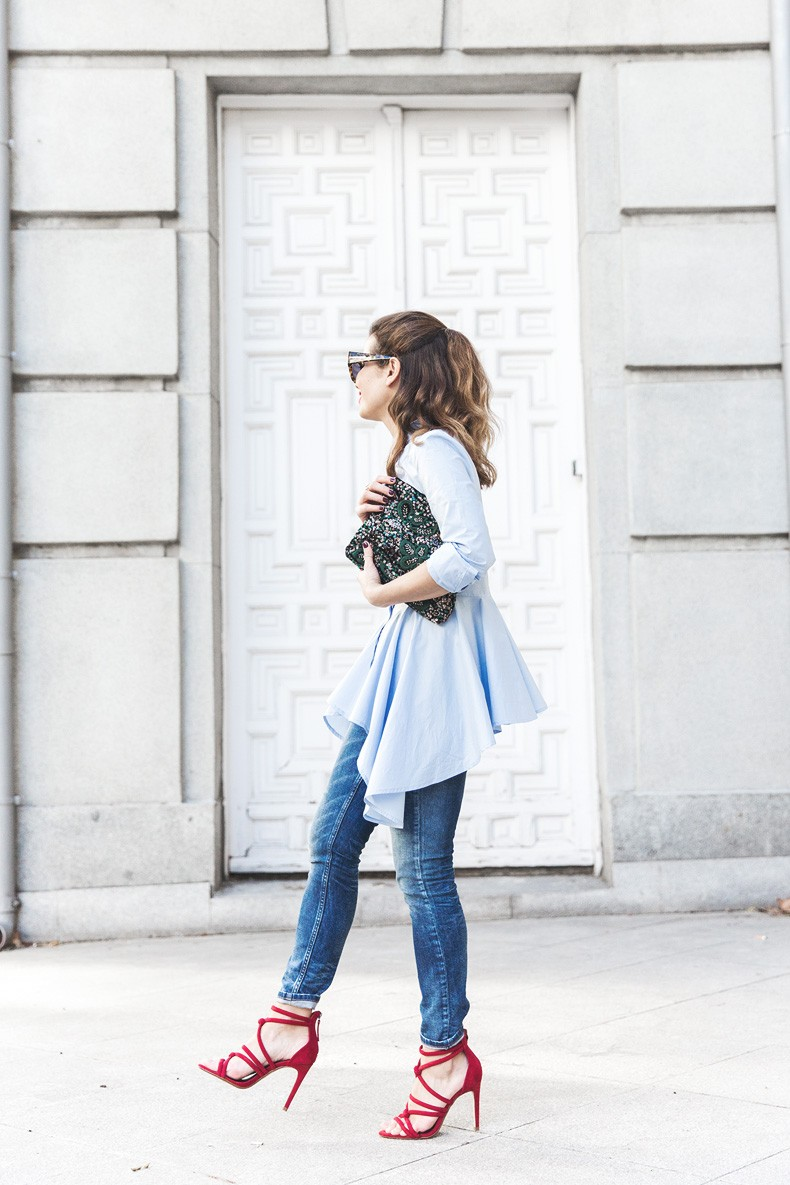 Ruffle_Shirt-Topshop_Skinny_JEans-BEaded_Clucth-Red_Sandals-Karen_Walker_Sunnies-Outfit-Street_Style-18