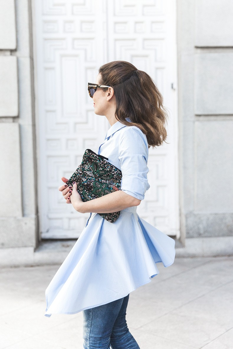 Ruffle_Shirt-Topshop_Skinny_JEans-BEaded_Clucth-Red_Sandals-Karen_Walker_Sunnies-Outfit-Street_Style-29
