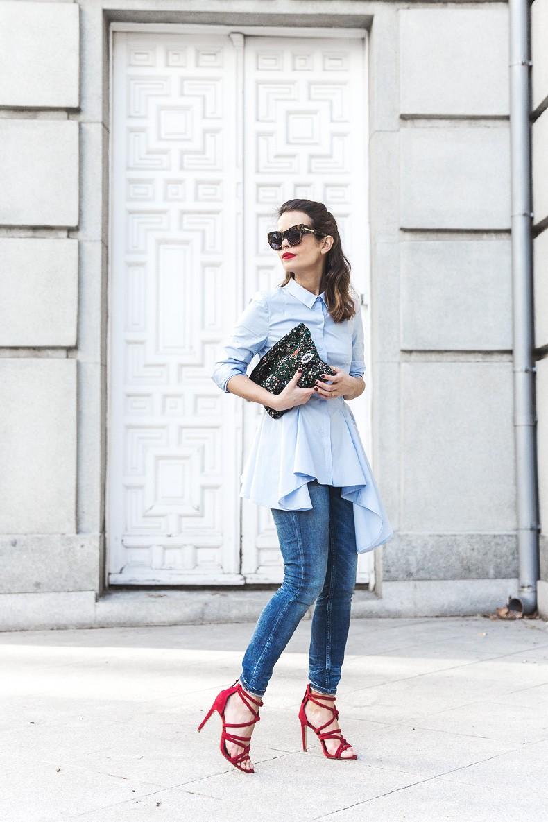 Ruffle_Shirt-Topshop_Skinny_JEans-BEaded_Clucth-Red_Sandals-Karen_Walker_Sunnies-Outfit-Street_Style-4