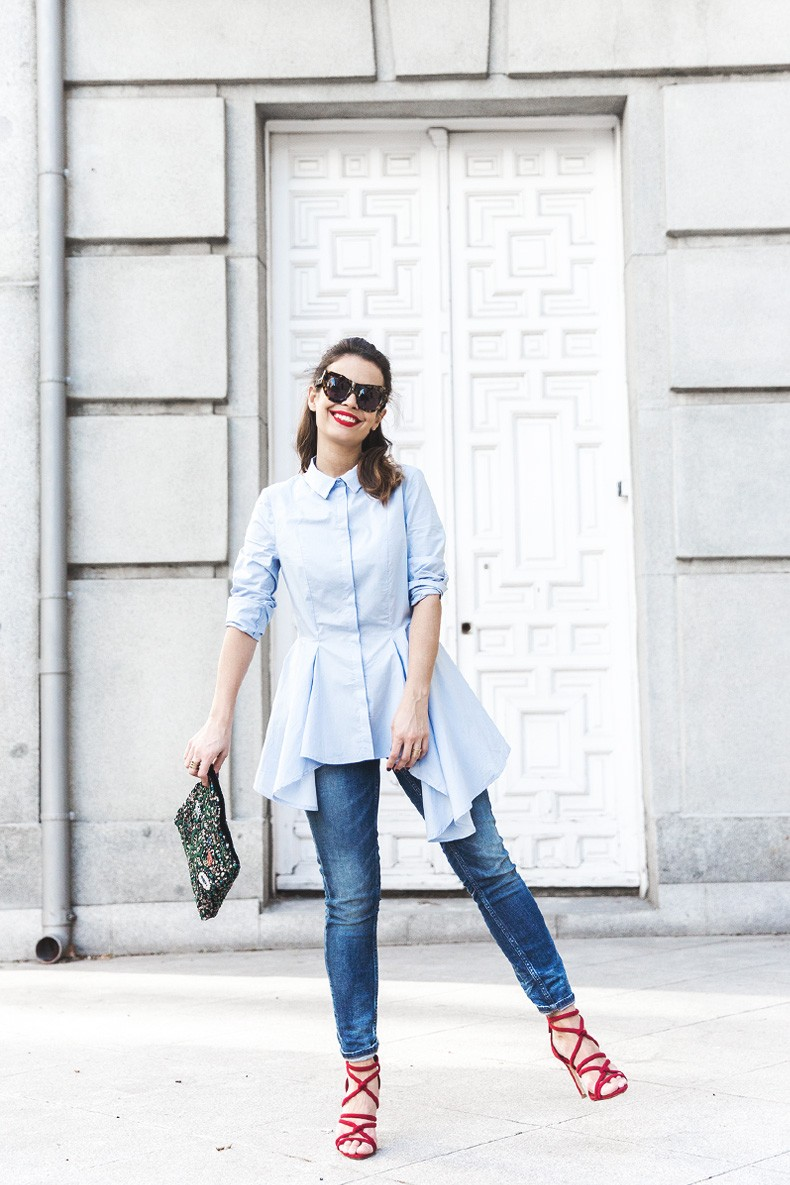 Ruffle_Shirt-Topshop_Skinny_JEans-BEaded_Clucth-Red_Sandals-Karen_Walker_Sunnies-Outfit-Street_Style-9