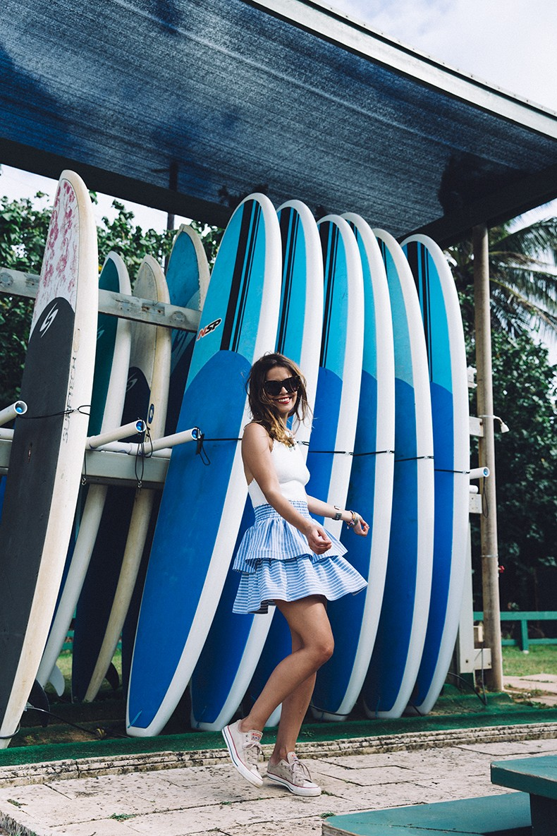 Ruffle_Striped_Skirt-Knit_Top-Pull_and_Bear-Beach-Converse-Beach_Outfit-Kauia-Travels-Hawaii-18