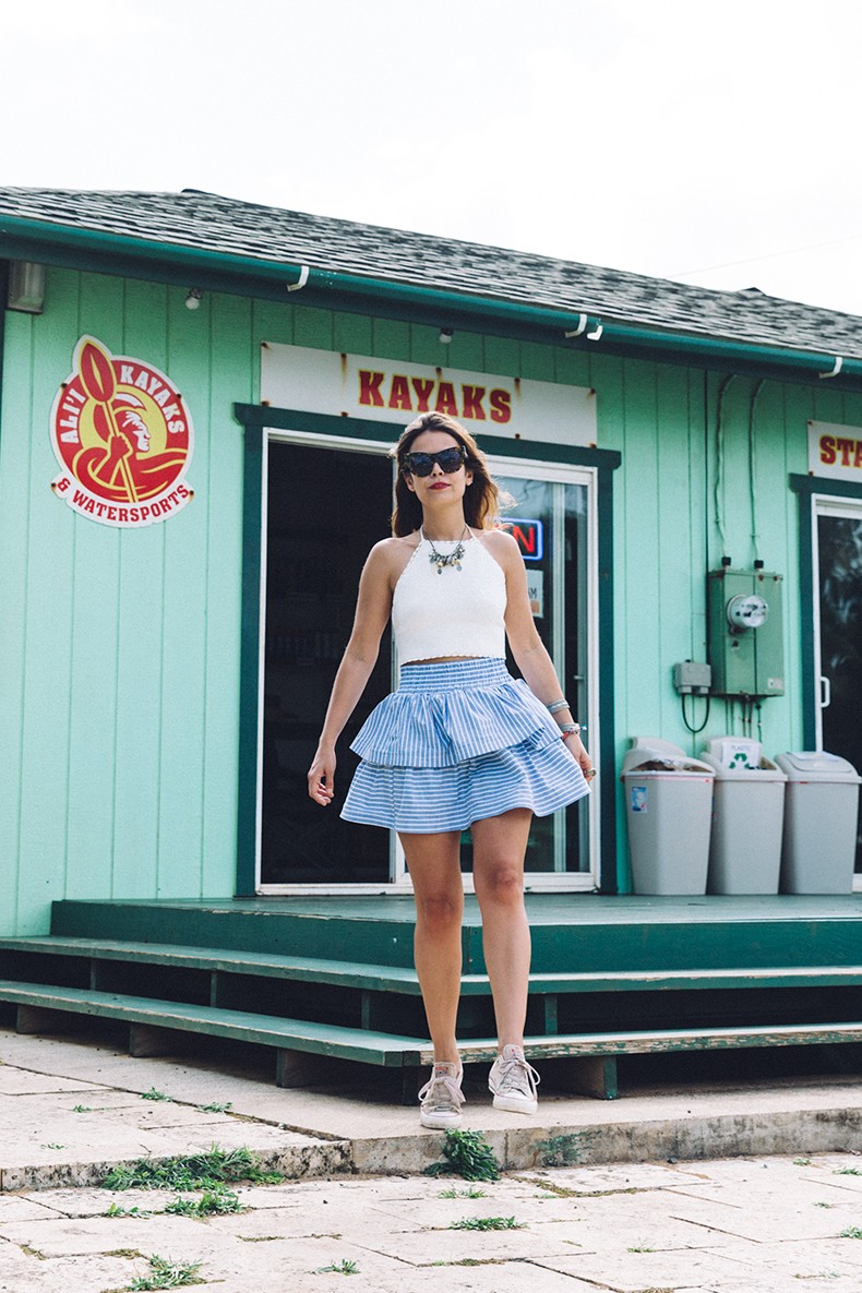 Ruffle_Striped_Skirt-Knit_Top-Pull_and_Bear-Beach-Converse-Beach_Outfit-Kauia-Travels-Hawaii-58