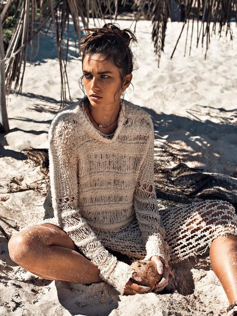 Andreea_Diaconu-Editorial-Vogue_Paris_May_2015-7