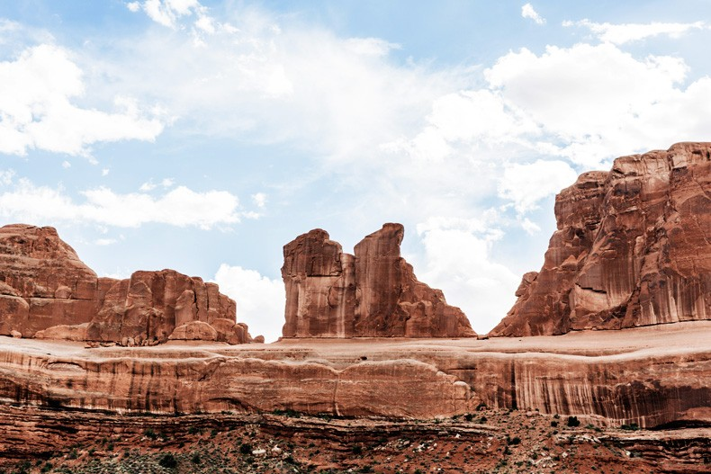 Arches_National_Park-Utah-Dead_Horse_Point-Canyonlands-Off_The_Shoulder_Top-Bandana_Turbant-Converse-Travel_Look-Outfit-Collage_Vintage-18