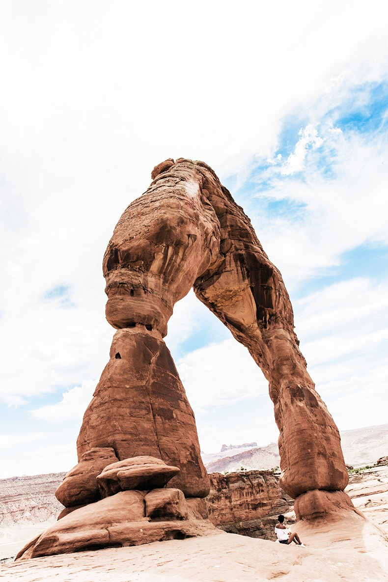 Arches_National_Park-Utah-Dead_Horse_Point-Canyonlands-Off_The_Shoulder_Top-Bandana_Turbant-Converse-Travel_Look-Outfit-Collage_Vintage-49