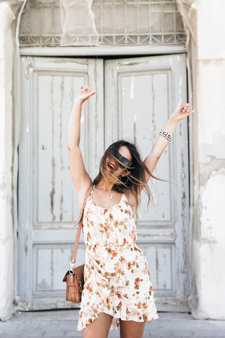 Floral_Dress-Mango-Alexander_Wang_Lace_Up_Shoes-Proenza_Schouler_Bag-Outfit-Street_Style-Collage_Vintage-31