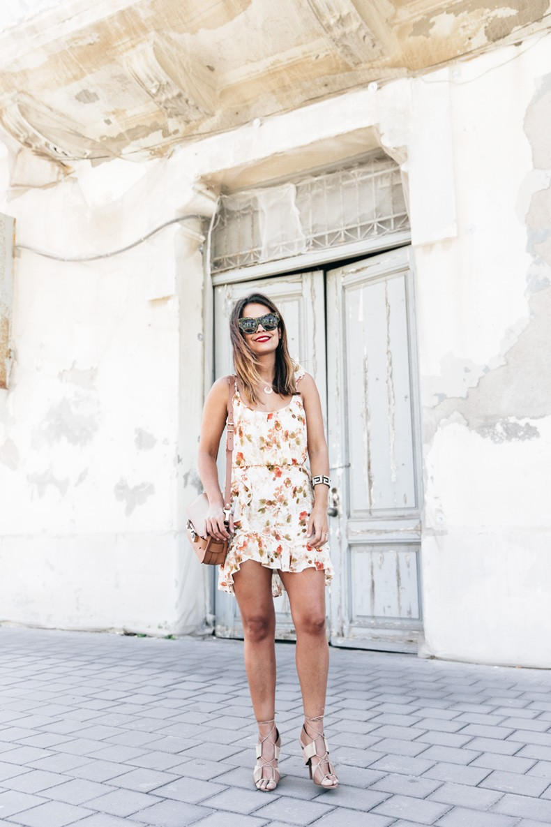 Floral_Dress-Mango-Alexander_Wang_Lace_Up_Shoes-Proenza_Schouler_Bag-Outfit-Street_Style-Collage_Vintage-32