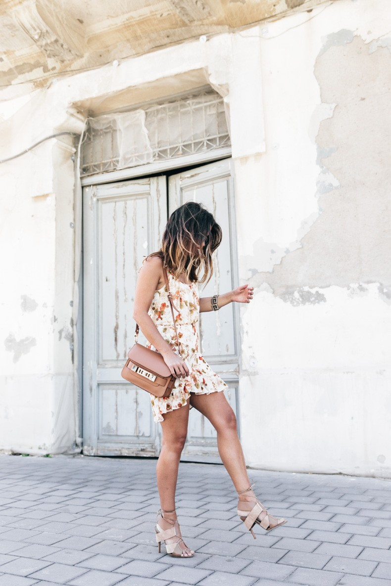 Floral_Dress-Mango-Alexander_Wang_Lace_Up_Shoes-Proenza_Schouler_Bag-Outfit-Street_Style-Collage_Vintage-6