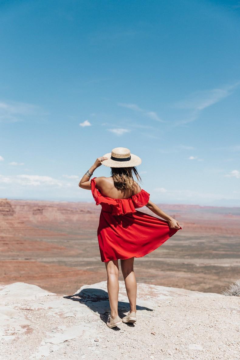 Gooseneck_State_Park-Glen_Canyon-Natural_Bridges-Utah-Chicwish-Off_The_Shoulders_Dress-Red-Converse-Collage_Vintage-Road_Trip-50