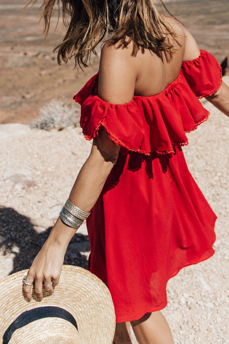 Gooseneck_State_Park-Glen_Canyon-Natural_Bridges-Utah-Chicwish-Off_The_Shoulders_Dress-Red-Converse-Collage_Vintage-Road_Trip-60