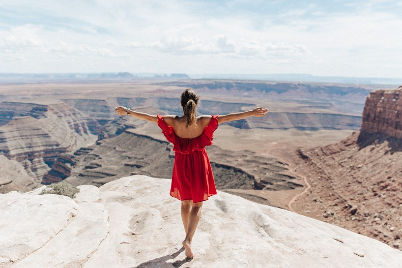 Gooseneck_State_Park-Glen_Canyon-Natural_Bridges-Utah-Chicwish-Off_The_Shoulders_Dress-Red-Converse-Collage_Vintage-Road_Trip-67