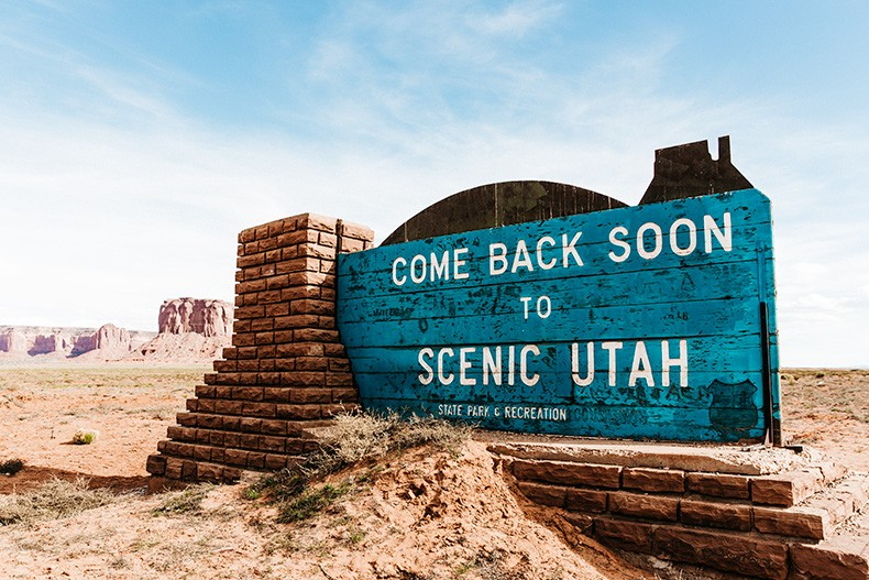 Monument_Valley-Utah-Collage_Vintage-USA_Road_Trip-101