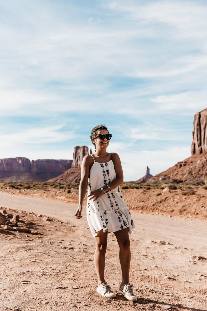 Monument_Valley-Utah-Collage_Vintage-USA_Road_Trip-136