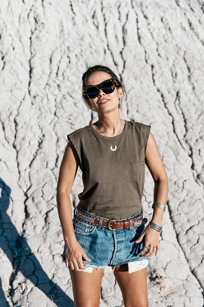 Painted_Desert_Petrified_Desert-Levis-Vintage-Maje_Belt-Outfit-Collage_on_The_Road-42