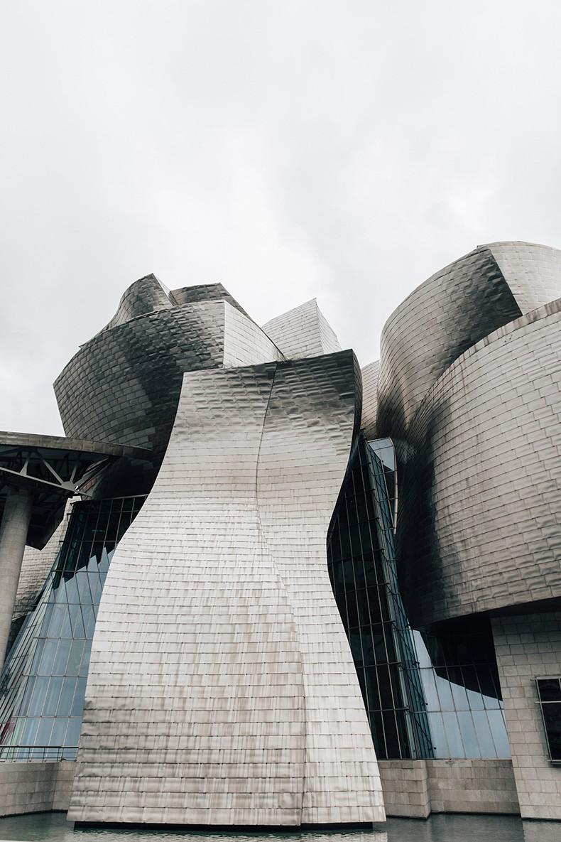 Polo_Ralph_Lauren-Bilbao-Collage_Vintage-Ruffled_Lace_Up_Blouse-Deerskin_Fringe_Short-Cardigan-Raffia_Wedges-Guggenheim-68