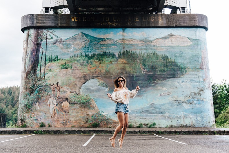 Bridge_Of_The_Gods-Oregon-Cascade_locks-Off_The_Shoulders_Top-Levis_Vintage-Lace_Up_Espadrilles-Outift-Collage_Vintage-10