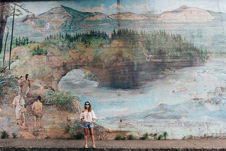 Bridge_Of_The_Gods-Oregon-Cascade_locks-Off_The_Shoulders_Top-Levis_Vintage-Lace_Up_Espadrilles-Outift-Collage_Vintage-13