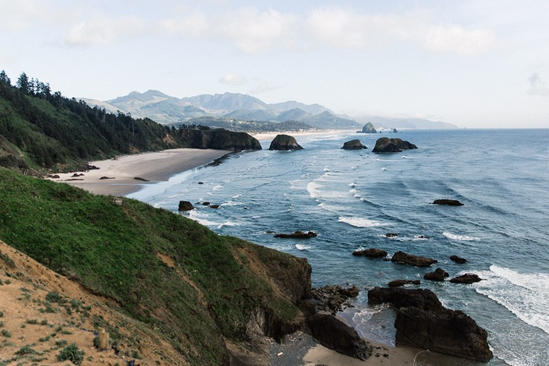 Canon_beach-Off_The_Shoulders_Top-Levis_Vintage-Beach-Oregon-Usa_Road_Trip-Collage_On_The_Road-34