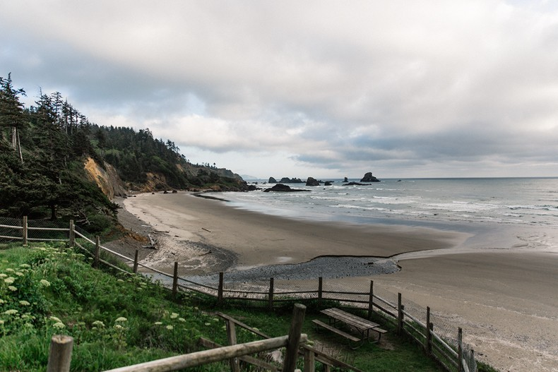 Canon_beach-Off_The_Shoulders_Top-Levis_Vintage-Beach-Oregon-Usa_Road_Trip-Collage_On_The_Road-41