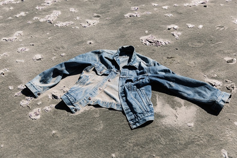 Canon_beach-Off_The_Shoulders_Top-Levis_Vintage-Beach-Oregon-Usa_Road_Trip-Collage_On_The_Road-44