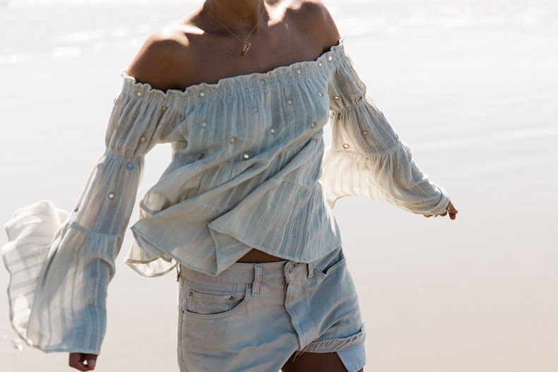 Canon_beach-Off_The_Shoulders_Top-Levis_Vintage-Beach-Oregon-Usa_Road_Trip-Collage_On_The_Road-85
