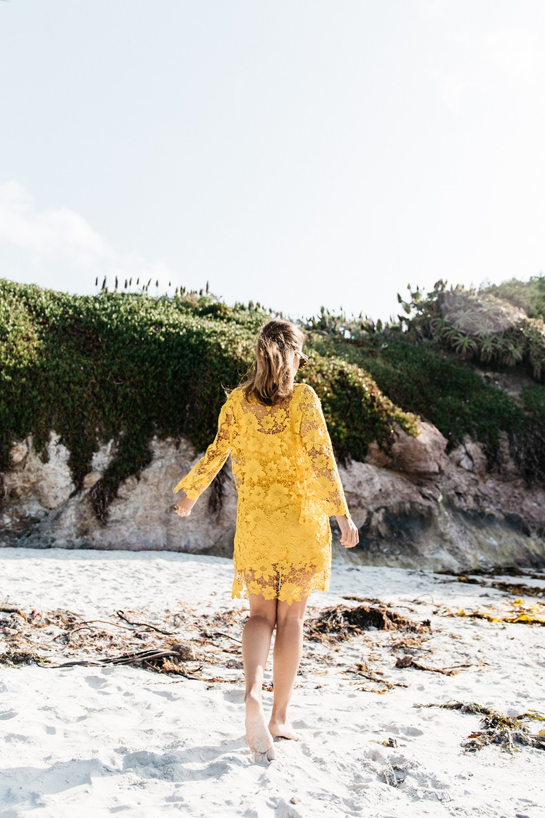 Carmel_By_The_Sea-Collage_On_The_Road-Lace_Dress-Yellow-Beach_outfit-Collage_Vintage-21