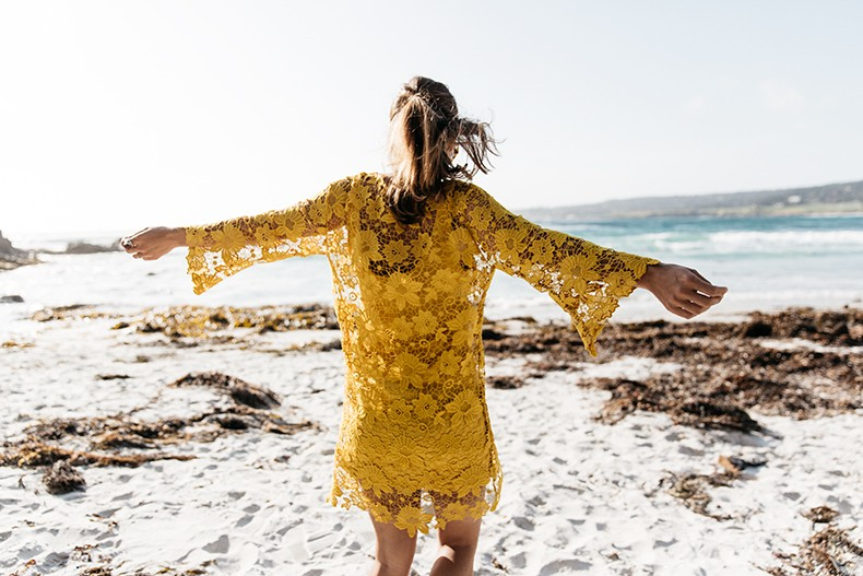 Carmel_By_The_Sea-Collage_On_The_Road-Lace_Dress-Yellow-Beach_outfit-Collage_Vintage-6