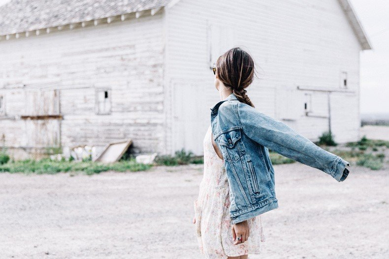 Collage_Vintage_On_The_Road-Idaho-Floral_Dress-Denim_Jacket-Urban_Outfitters-Levis-Outfit-Twin_Falls-10