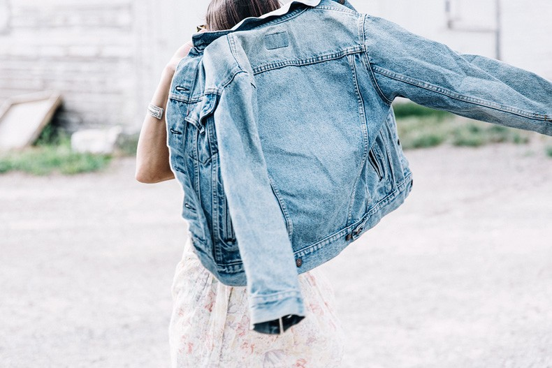 Collage_Vintage_On_The_Road-Idaho-Floral_Dress-Denim_Jacket-Urban_Outfitters-Levis-Outfit-Twin_Falls-16
