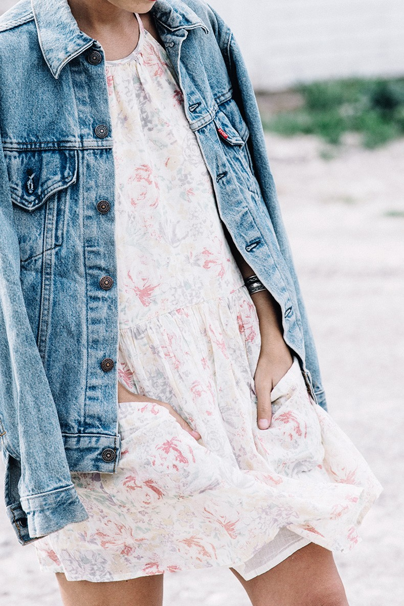 Collage_Vintage_On_The_Road-Idaho-Floral_Dress-Denim_Jacket-Urban_Outfitters-Levis-Outfit-Twin_Falls-32