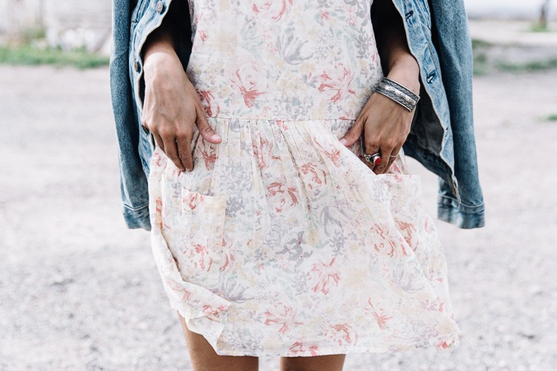 Collage_Vintage_On_The_Road-Idaho-Floral_Dress-Denim_Jacket-Urban_Outfitters-Levis-Outfit-Twin_Falls-7