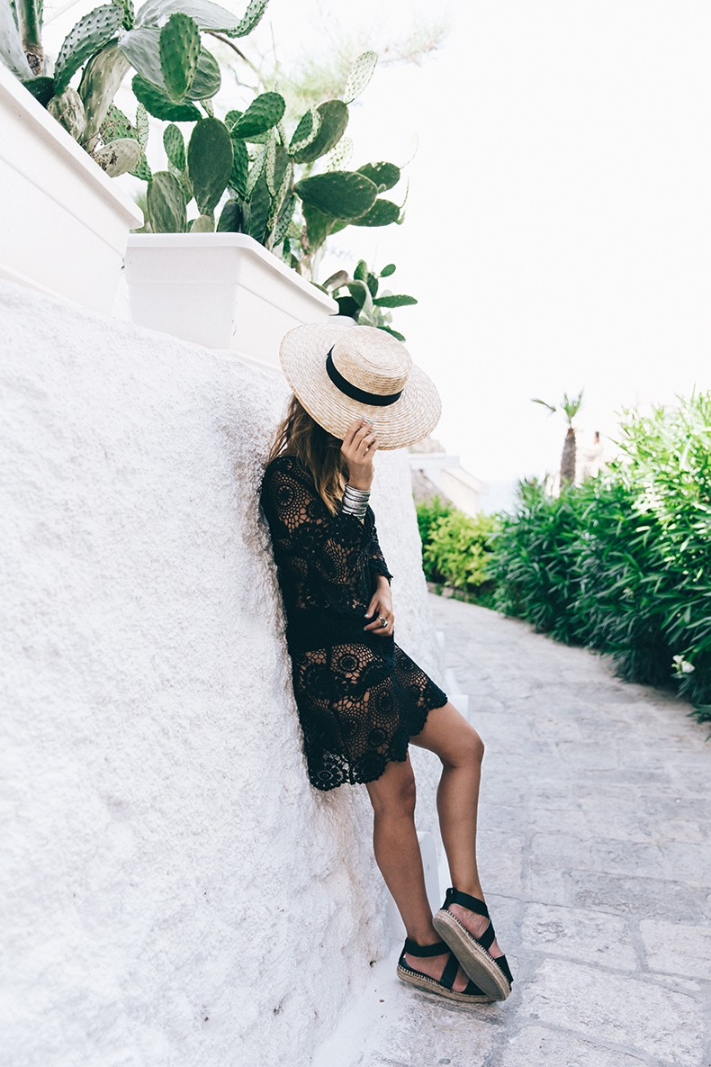 Crochet_Dress-Straw_Hat-Lack_Of_Color-Beach_Outfit-Black_Espadrilles-Italy-32