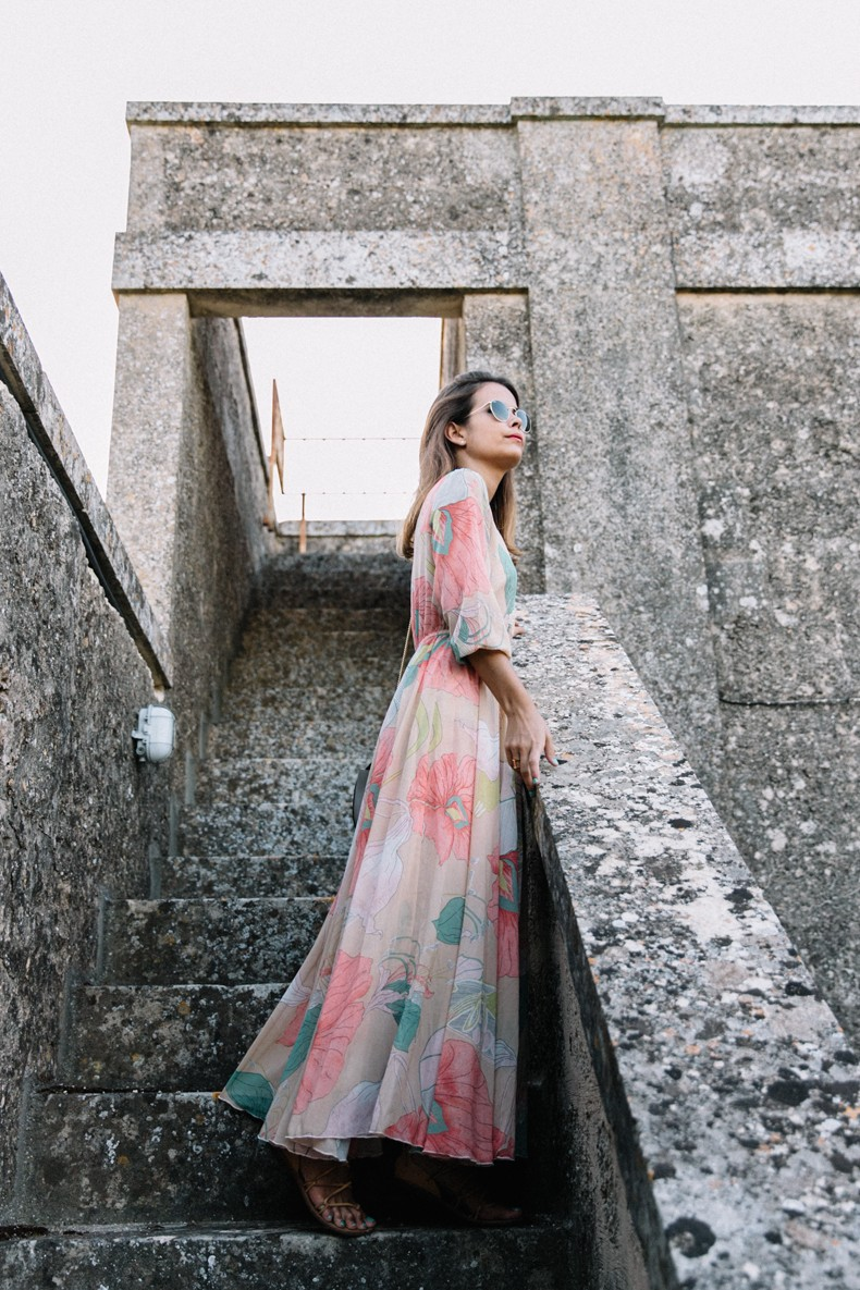 Long_Dress-ChicWish-Floral_Print-Lace_Up_Sandals-Chloe_Girls-Outfit_Street_Style-Naturalis_Bio_Resort-11