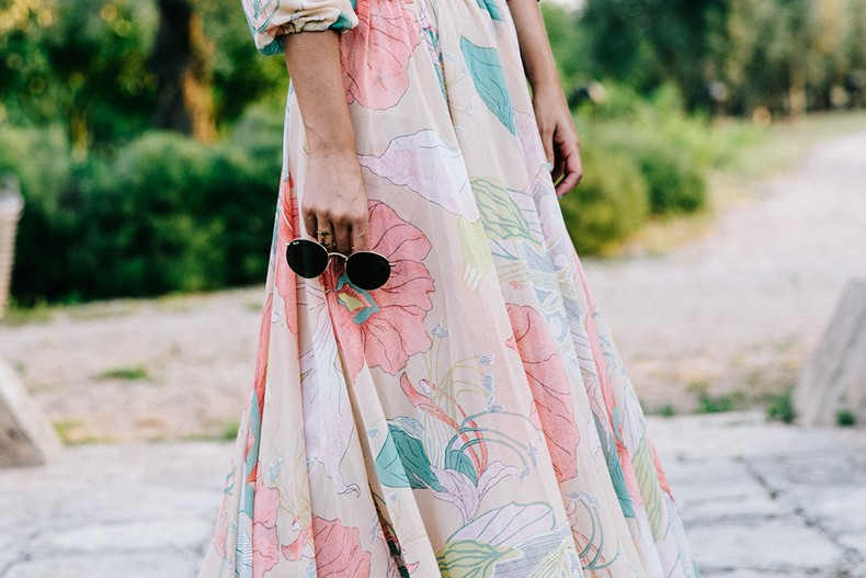 Long_Dress-ChicWish-Floral_Print-Lace_Up_Sandals-Chloe_Girls-Outfit_Street_Style-Naturalis_Bio_Resort-17