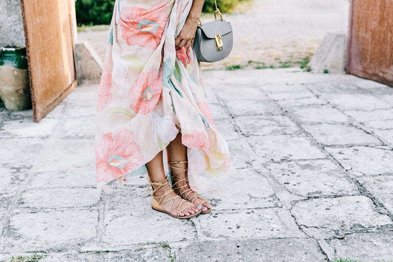 Long_Dress-ChicWish-Floral_Print-Lace_Up_Sandals-Chloe_Girls-Outfit_Street_Style-Naturalis_Bio_Resort-18