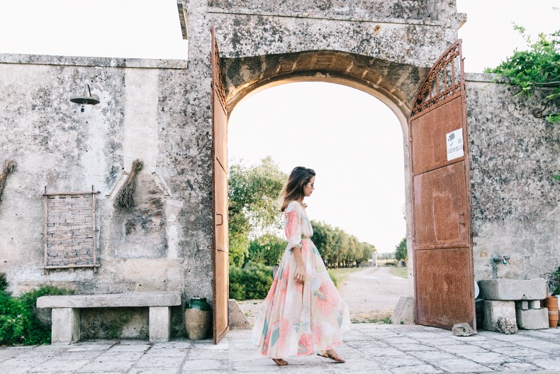 Long_Dress-ChicWish-Floral_Print-Lace_Up_Sandals-Chloe_Girls-Outfit_Street_Style-Naturalis_Bio_Resort-20