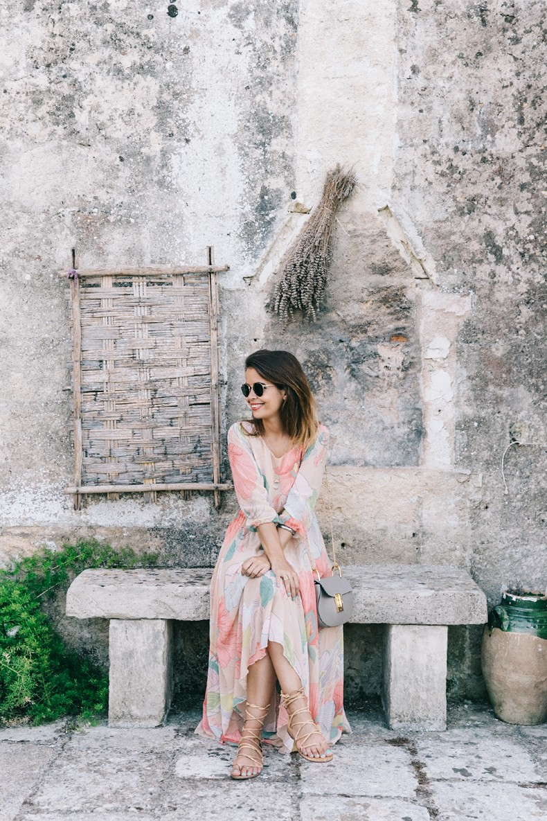 Long_Dress-ChicWish-Floral_Print-Lace_Up_Sandals-Chloe_Girls-Outfit_Street_Style-Naturalis_Bio_Resort-9