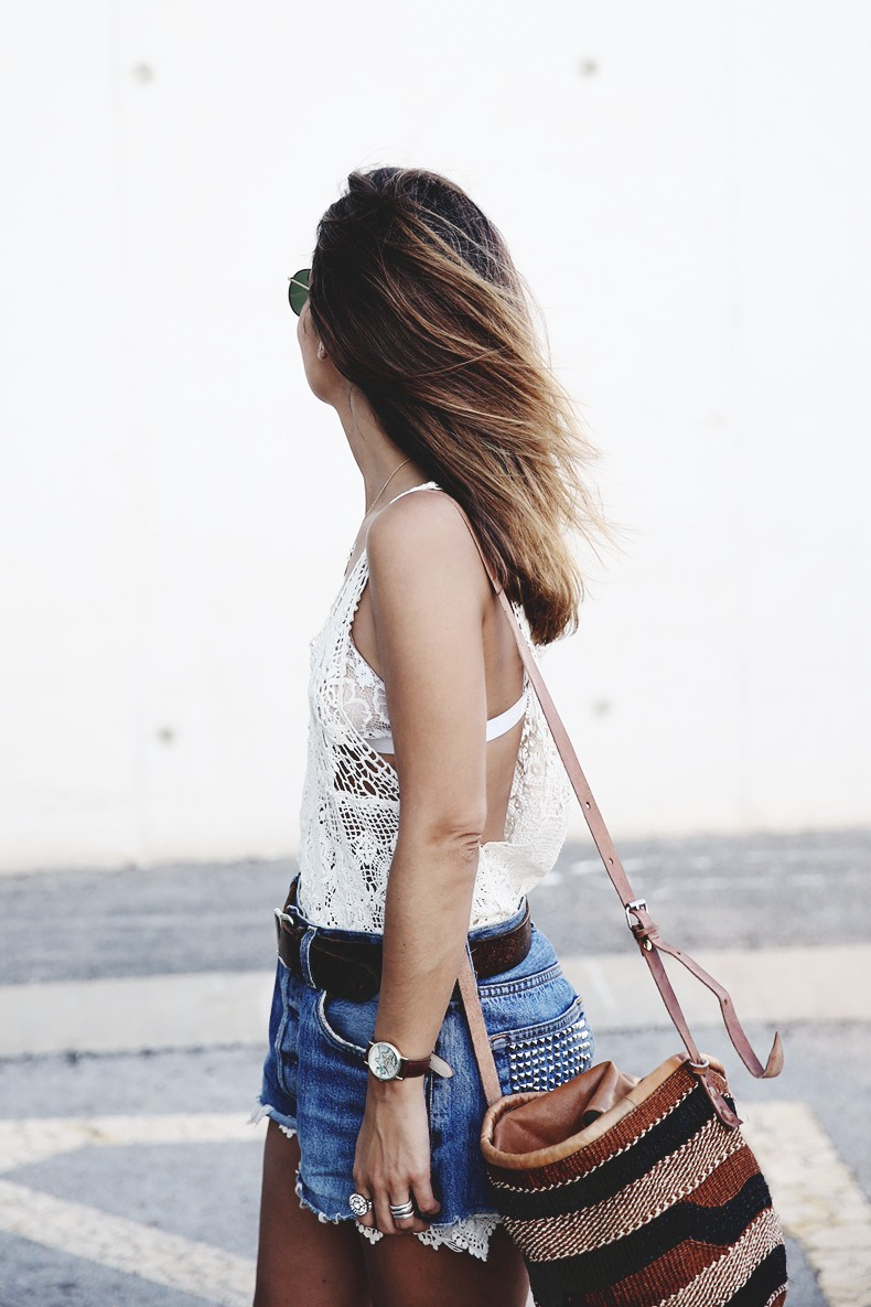 Mulafest-Lace_Top-Levis_Vintage-Maje_Sandals-Urban_Outfitters_Bag-Outfiit-Summer-10
